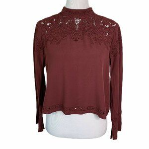 ASTR - Embroidery Cropped Blouse Top